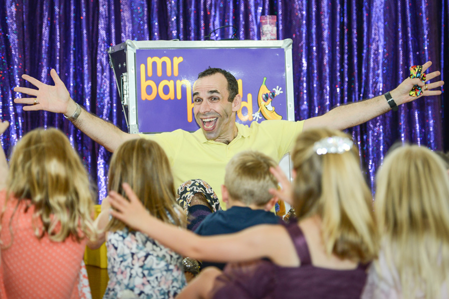 mr banana head magic show for children